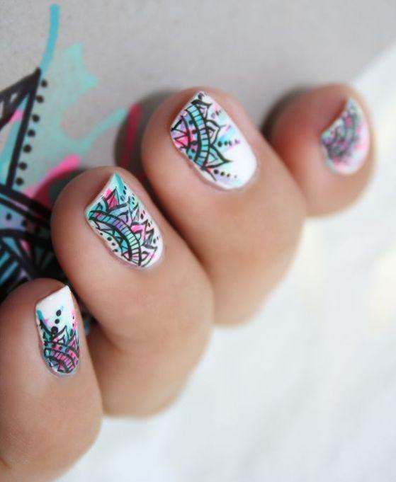 diseño de uñas estilo mandala                                                                                                                                                     Más