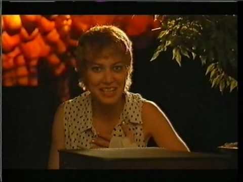 Troppo Sole - Le valigette (Sabina Guzzanti) (1994)