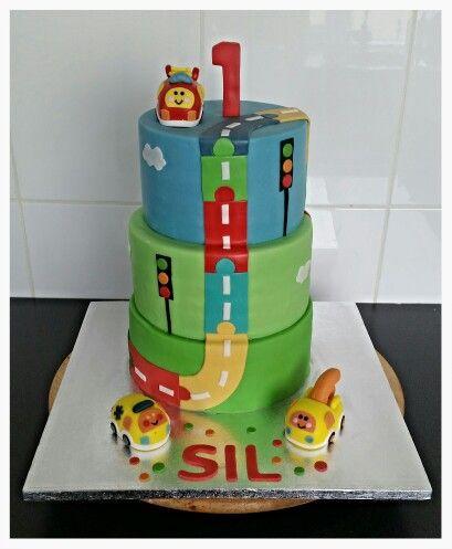 Toet Toet Birthday Cake