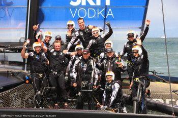 Emirates Team New Zealand vince per la seconda volta consecutiva la Louis Vuitton Cup | BLU