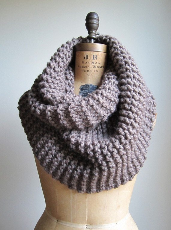 Prjónakragi: Snuggly Chunky, Craft, Fashion, Cowl Taupe, Infinity Scarfs, Knit Cowl, Brown Mocha, Super Snuggly, Chunky Knits