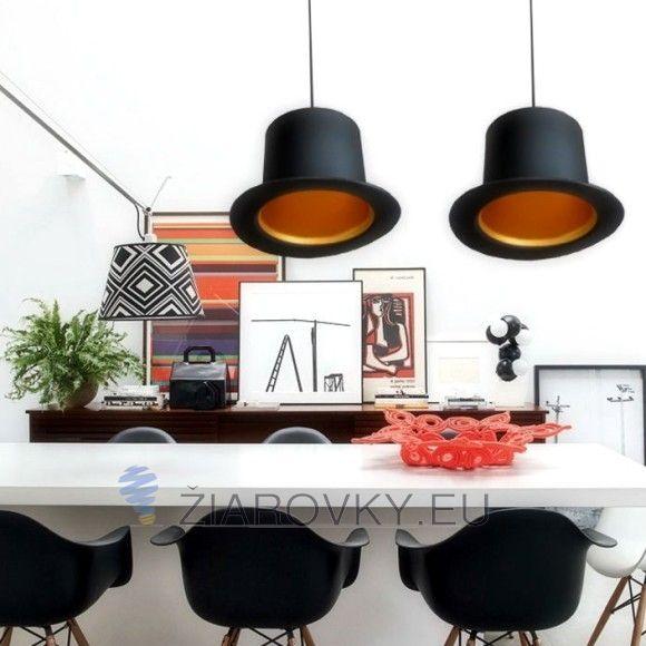 V našom obchode nájdete aj skvelé dekoračné žiarovky v retro dizajne z kolekcie EDISON, ktoré sa hodia k tomuto modernému svietidlu. Pokiaľ však potrebujete silnejšie osvetlenie alebo osvetliť väčšiu plochu odporúčame použiť naše LED žiarovky, ktoré budú šetriť energiu a zároveň poskytnú dostatočné osvetlenie celej miestnosti