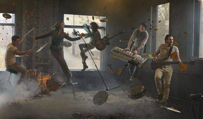 Музыкальная группа  и ударная волны музыки.