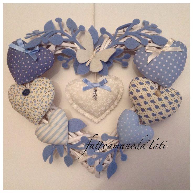 Cuore/fiocco nascita azzurra 8 cuori  con farfalla bianca , by fattoamanodaTati, su misshobby.com