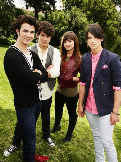 Demi Lovato And Jonas Brothers