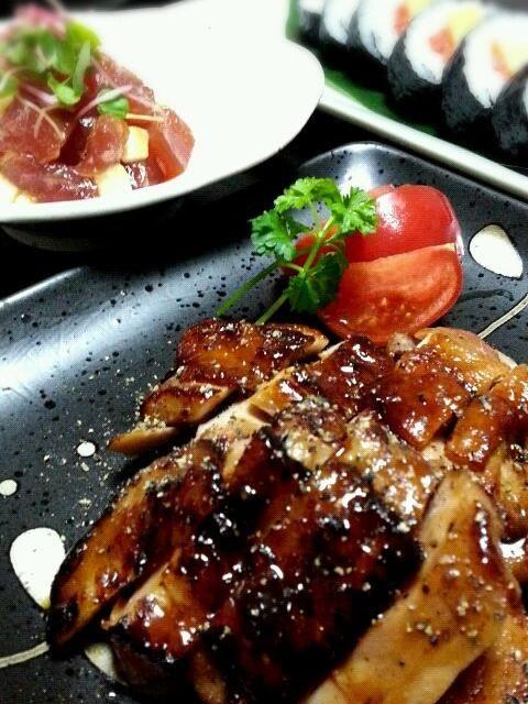 塩麹で下味をつけているので焦げてしまったぁ(*ToT)  熊本は「不知火 夢ロマン」このトマトは固さと甘みが最高です! 旨しトマトであります☆ - 16件のもぐもぐ - 鶏もも照り焼き by tata3