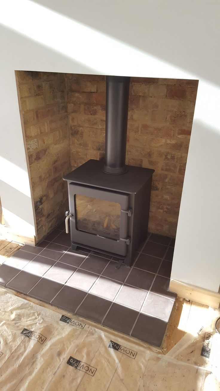 Town and Country Saltburn stove, quarry tile hearth