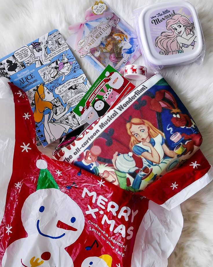 DISNEY GIFT IDEAS  //unbezahlte WERBUNG/unpaid AD - Verlinkung der Marken/link to the brands/ PR samples offered by @modes4ucom // If you are still looking for some Christmas gifts for a Disney (or #kawaii things in general) lover I have a great tip for you : Check out the store www.modes4u.com  They have a great selection of stationary fabrics bags accessories imported from Japan and US and they ship worldwidely!  I have ordered tiny gifts in the past from their store but here I have some…