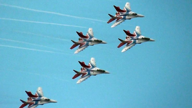 THE SWIFTS [Стрижи]  >>>  Russian Air Force Aerobatic Team @ MAKS Moscow Air Show