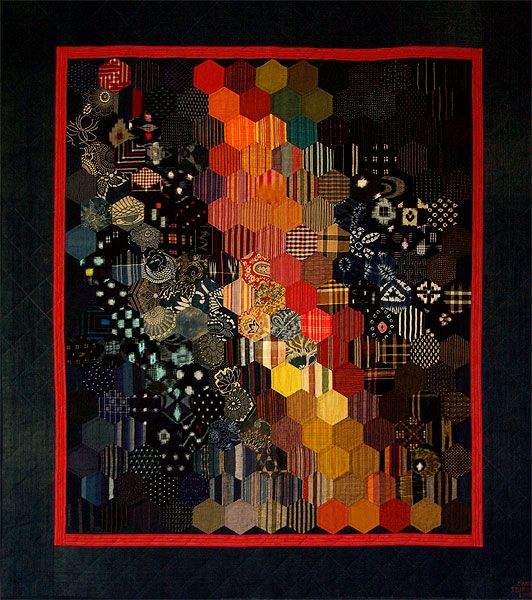 Yume no Ukihashi - stitched and quilted by hand - hexagon quilt. Quilt en tissus anciens japonais. Chambre des Couleurs.