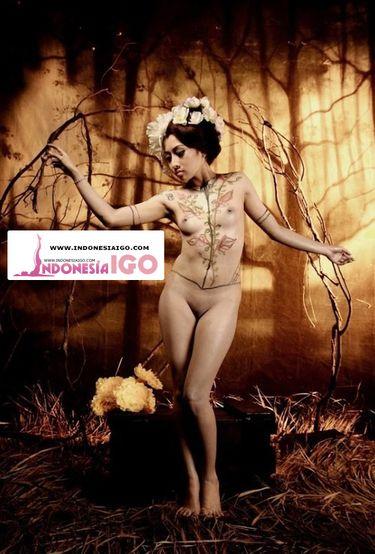 Kali ini Indonesia IGO akan membahas Foto Telanjang Monica Yessy Gregoria Model Topless Bagian 2 atau bisa di panggil Monica Yessy model yang super seksi