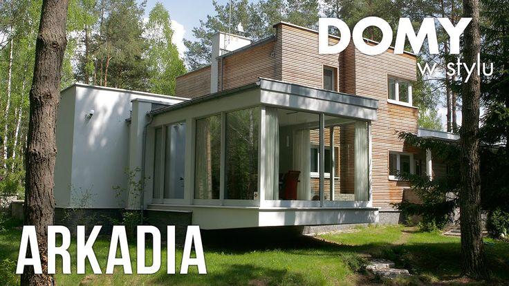 Projekt Arkadia to owoczesny projekt, charakteryzujący się niczym nieskrępowaną bryła budynku z płaskim dachem i dużą ilością szklanych powierzchni. Różnorodność zastosowanych materiałów wykończeniowych dodatkowo podkreśliła już unikalny charakter tego budynku. #domywstylu, #mtmstyl, #filmy, #realizacja, #projekty, #arkadia