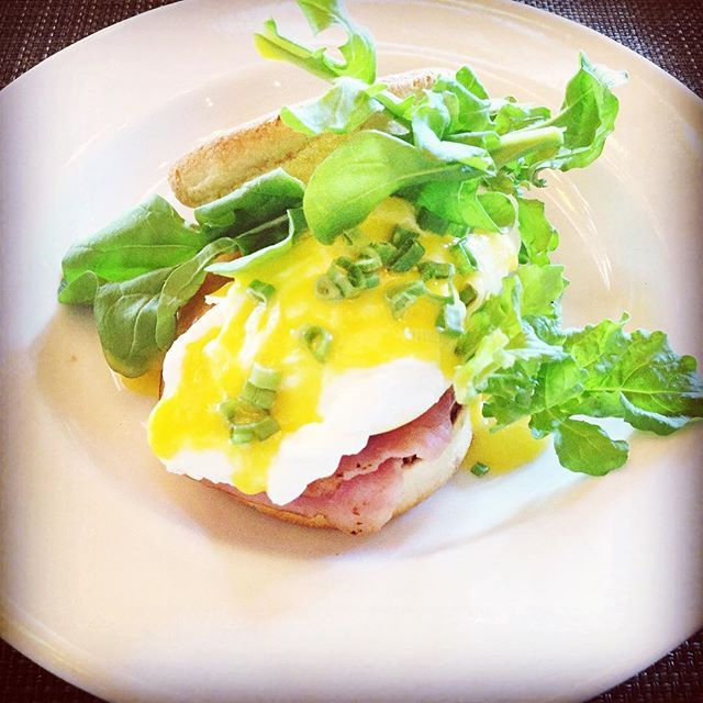 WEBSTA @ epicurean3795 - #goodmorning #eggsbenedict #breakfast #yummy #ham #egg #fresh #arugula #instafood #instagood