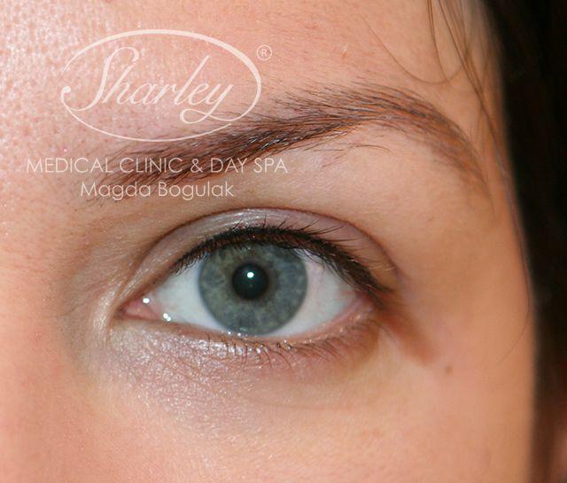 Makijaż permanentny oczu. Kreska zagęszczająca linię rzęs