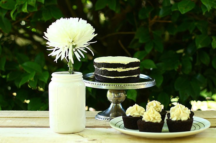 GUINNESS and CHOCOLATE CAKE WITH VANILLA BEAN GUINNESS BUTTERCREAM ICING