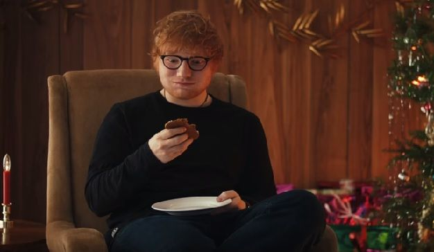 Spotify felicita a Ed Sheeran por ser su artista más reproducido en 2017   Marketing Directo      Spotify crea un spot de 30 segundos para felicitar al artista Ed Sheeran, que ha sido su artista más reproducido durante el año 2017. https://www.marketingdirecto.com/marketing-general/publicidad/spotify-ed-sheeran-reproducido-2017?utm_campaign=crowdfire&utm_content=crowdfire&utm_medium=social&utm_source=pinterest