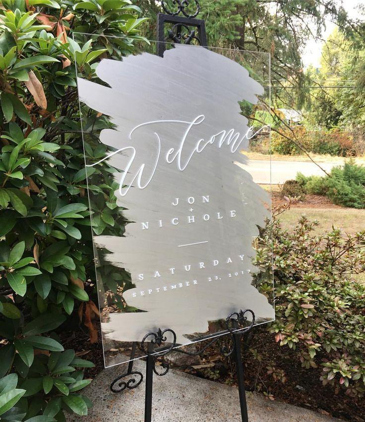 40 Acrylic and Lucite Wedding Decor Ideas