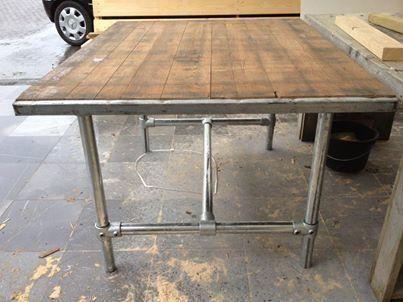 Stoere terrastafels van steenschotten te koop aangeboden for Tafel van steenschotten