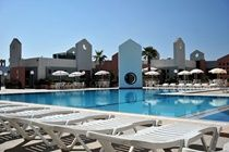 Blue Sea St George's Park & La Vallette Resorts £25 off all holidays Code: JULY14 T&Cs: Minimum stay 7 nights, 2 adults & must spend £700 End: 13th July     Also, our top offers are:  • Book your September holiday now with prices from only £189pp   • Late holiday deals from only £169pp   • Fabulous food, amazing culture, great shopping and more. City breaks from only £77pp