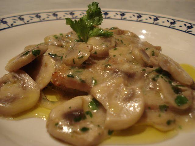 Escalopines con salsa de champiñones