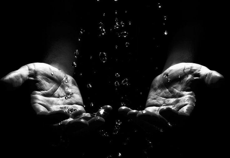 Картинки по запросу фото рук с брызгами