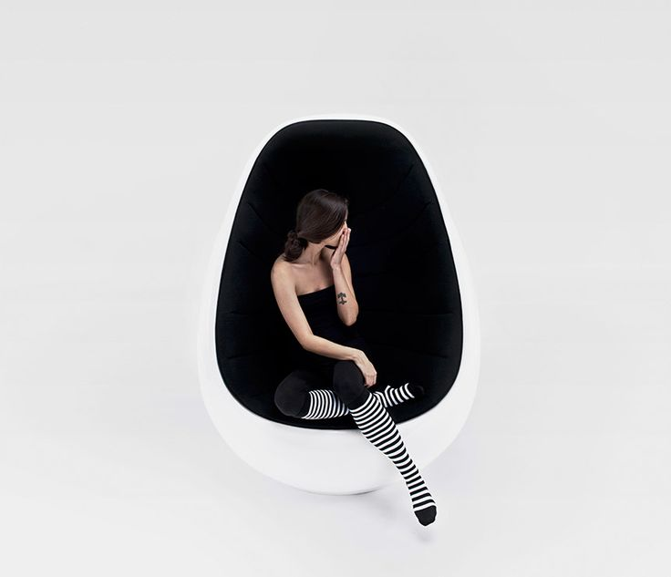http://www.bebarang.com/unique-dynamic-egg-shaped-chair/ Unique & Dynamic, Egg Shaped Chair : Egg Shaped Cocoon Chair Koop Egg Shaped Chair