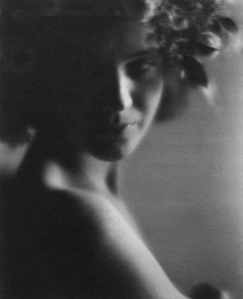 Edward Weston - Sibyl Anikeeff, 1921