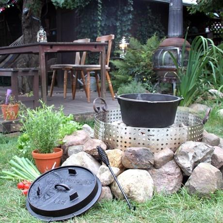 Petromax Dutch Outdoor Oven 14.2 kg by Petromax | MONOQI
