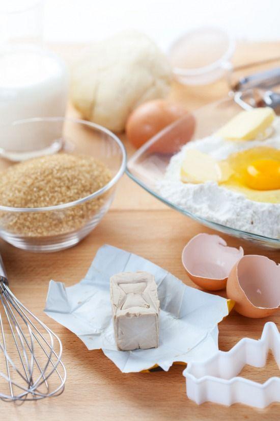 Cukrász ABC sorozatunkban most egy kis konyhai tudomány következik  hogy megértsük a tésztában és sütőben zajló folya...