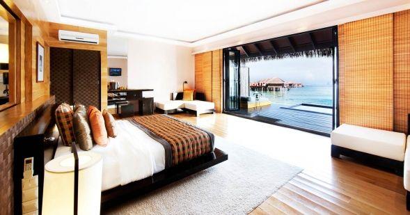 #maldiveclub #honeymoon #maldives #balayıoteli #AdaaranPrestigeVadoo Su Villalarının kırk adedi doğu senteziyle dekore edilmişlerdir, yere yakın yatak, tahta panel duvarlar, banyo ile salon arasında ki sürgülü tahta kapı gibi. Villada ki tüm panelleri açarak keyifle içinde oturduğunuz jakuziden tüm manzarayı seyredebilirsiniz. Daha detaylı bilgi için web sitemizi ziyaret edebilirsiniz: http://www.maldiveclub.com/maldiv-adaaran-prestige-vadoo