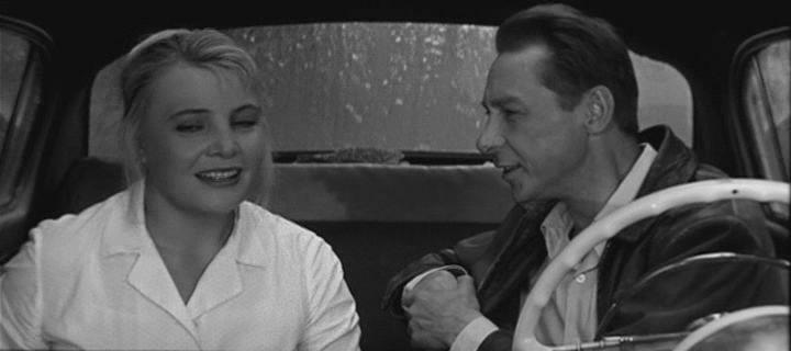 Татьяна Доронина — в роли Нюры в фильме 1967 г «Три тополя на Плющихе» режиссера Татьяны Лиозновой.