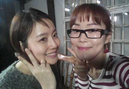 박슬기-문채원, 동갑내기 절친샷 '내 친구 채원이' :: 네이버 TV연예
