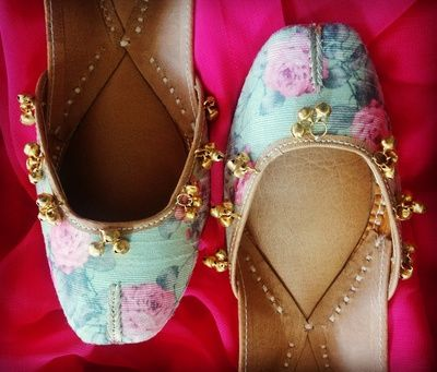floral print juttis, ghungroo juttis, printed juttis, vintage juttid, mint and pink juttis, aqua juttis, flat shoes, mehendi footwear , flat bridal shoes