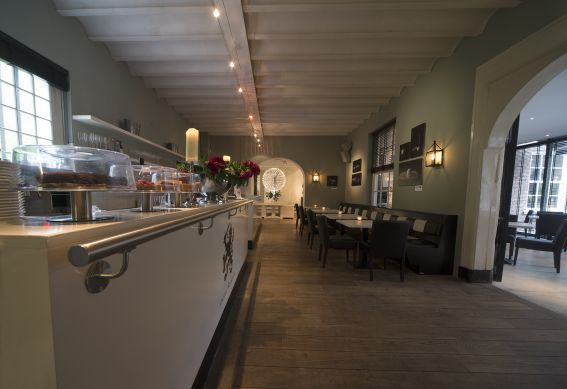 Brasserie - Arsenaal Restaurants #gastronomie #lunch #hetarsenaal #binnentuin