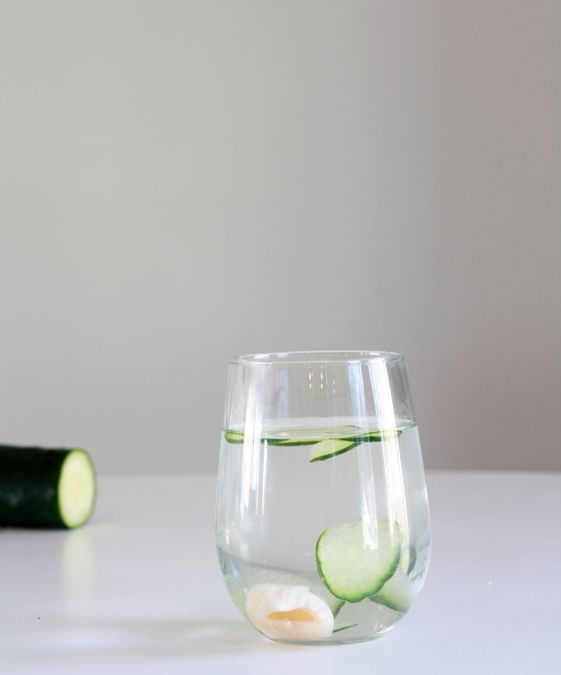 Cucumber lychee sake spritzer -- a light, sweet, and bubbly cocktail perfect for dinner parties