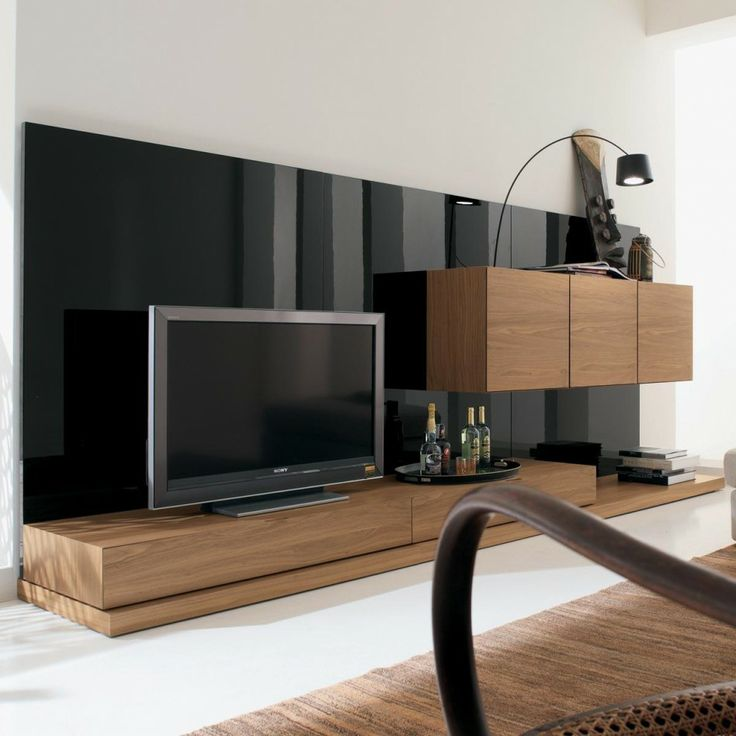 Furniture. Modern Italian Style Living Room Wall TV Unit In Walnut Veneer And Black Nero Gloss Finish.