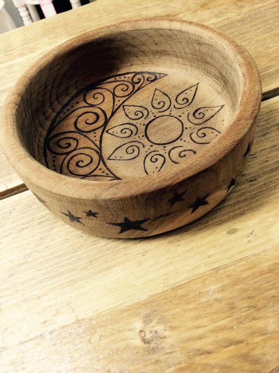 Sun moon and stars trinket dish, natural wooden bowl, teak bowl designed by hand, decorated using pyrography, key storage, coin tray, mystic