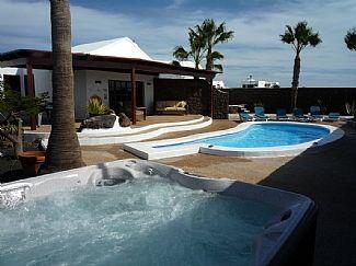 Holiday Villa in Los Mojones, Puerto Del Carmen, Lanzarote C3303