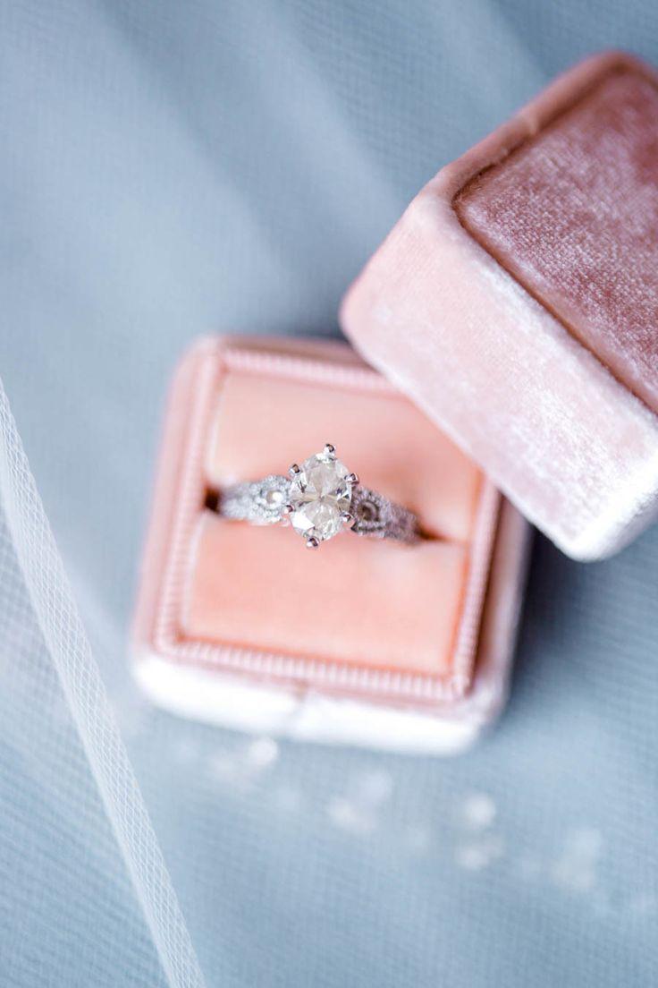 Hey baby, I think I wanna marry you.   :: PASTEL WEDDING ...