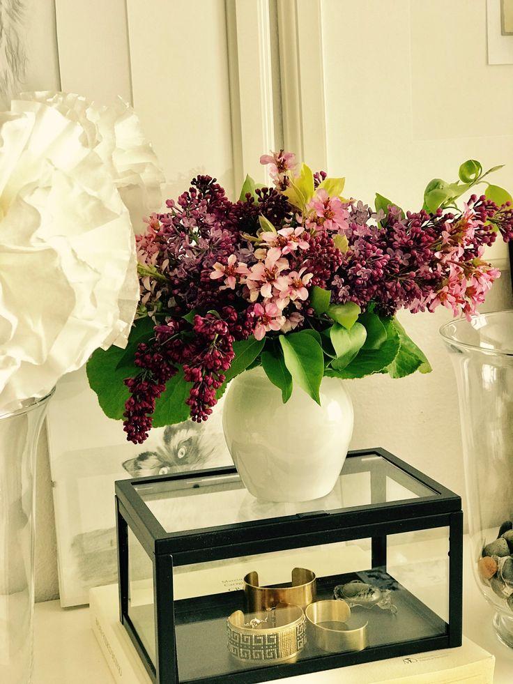 Lilac&Bergenia vase