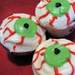 halloween muffins mit augen halloween essen halloween. Black Bedroom Furniture Sets. Home Design Ideas