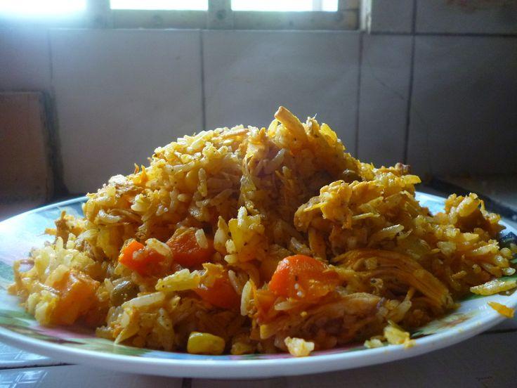 Arroz Con Pollo Express  Delicioso, Fácil, Economico y Rendidor !!!  Le gusta el arroz con pollo, pero no saben como hacerlo, o el procedimiento que conocen es muy largo y complicado ??? Pues hoy les voy a compartir mi receta de Arroz Con Pollo Express !!! Muy rápido, delicioso, fácil, economico y muy nutritivo.  Link: http://travelfoodcr.weebly.com/blog/arroz-con-pollo-express #Travelfoodcr #blog #blogger #bloguero #food #comida #pollo #arroz #vegetales #delicioso #saludable #fácil #rápido