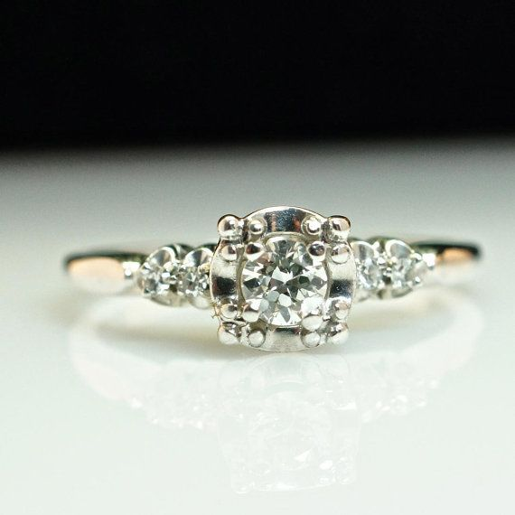 Vintage 18K White Gold Solitaire Diamond Engagement Ring