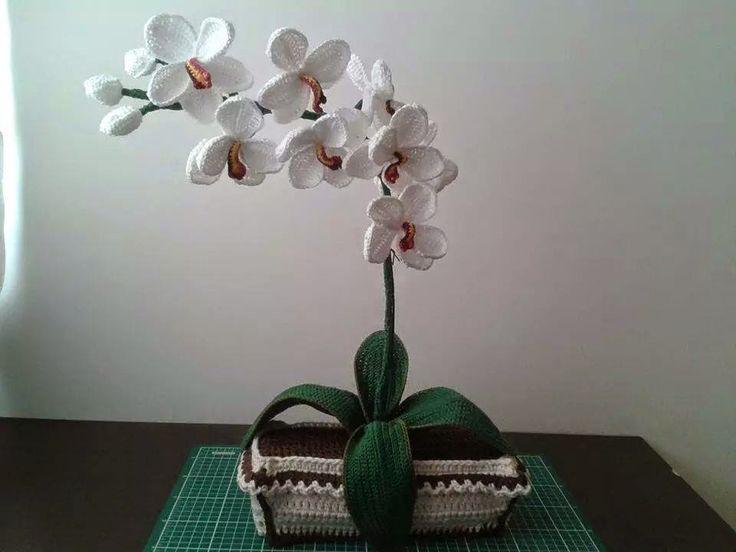 tra un punto e l'altro: TUTORIAL orchidea uncinetto, adesso anche con il VIDEO per renderla più vera