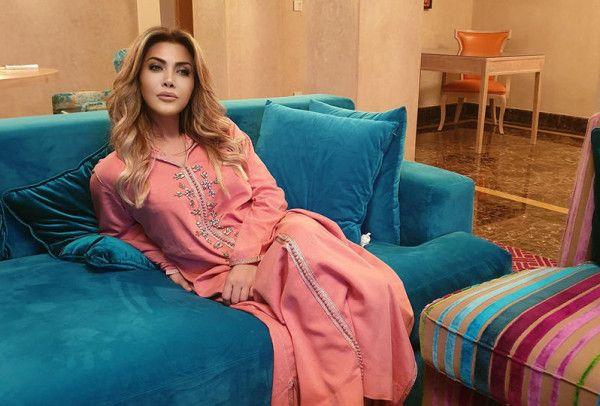 أزياء رمضانية للحجر المنزلي من النجمات العربيات دنيا الوطن نوال الزغبي جمعنا بالصور مجموعة من إطلالات النجمات في أزياء رمضانية ذات طابع شرقي ل Style Fashion