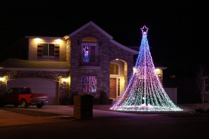 Top 10 Outdoor Christmas Light Ideas for 2020 | Pouted.