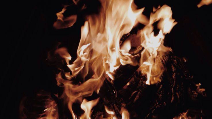 fire rises | © 2014 Hannes van Oudtshoorn