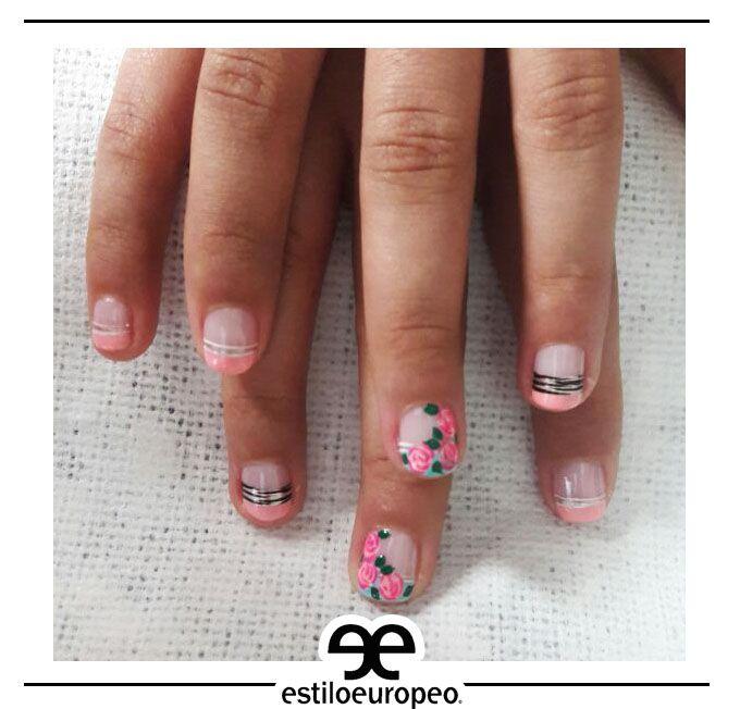 ¡Para las que tienen las uñas cortas, también tenemos un estilo para ti! No dudes en decorarte tus uñas con hermosos maquillajes ¡Te esperamos! Calle 10 # 58-07 B/ Santa Anita citas: 3104444