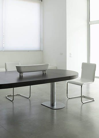 Awesome Ligne Roset table seats when closed and when extended extended length cm Available either with a White Gloss laquer finish or a veneer