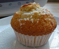 Rezept fluffige Kokos Muffins mit Mascarpone von Mia.Stella - Rezept der Kategorie Backen süß